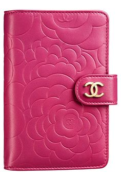 Chanel Agenda ~ oh my, I didn't know such a thing existed! I'd love to see inside...