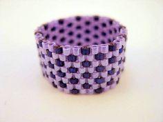 Anneau de peyotl en violet et Violet  taille 5 6 par MadeByKatarina, $14.00