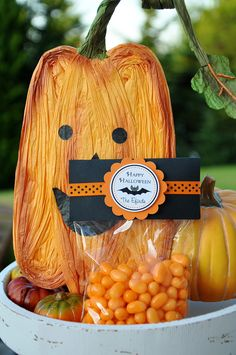 Halloween Favor Bags Personalized  Treat Bags by thepaperkingdom, $12.00