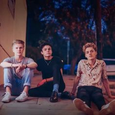 Make sure to check out to get involved in their competitions ❤️ New Hope Club, A New Hope, Blake Richardson, Reece Bibby, Zach Herron, British Boys, The Vamps, Hollywood Celebrities, Boy Bands