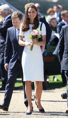 Pin for Later: Kate Middleton hat sich in diesem Jahr selbst übertroffen  Sie unterstützte das britische High-Street Label Jaeger im Juni in London.