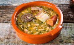 La receta de cocido montañés es muy típico en el norte de España. Te enseñamos a realizarlo en unos sencillos y rápidos pasos ¿Comenzamos?