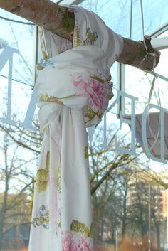 #Dekortionsstoff MILLTOWN @jabanstoetz #blumig #Countrystyle #Countrylook #Country #Landhaus #Landhausstil #modernes Landhaus #weiß #Blumen #Blüten #Rose #Baumwolle bedruckt #guterStoff bei #Rademann #Kiel #gibDirStoff