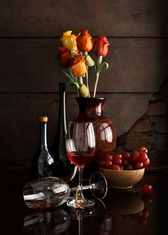 Moulin Rouge ¶ by Luiz Laercio on Still Life Drawing, Painting Still Life, Still Life Art, Love Painting, Fruit Photography, Still Life Photography, Cute Wallpaper Backgrounds, Cute Wallpapers, Photo Fruit