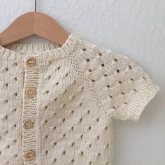 Best 11 Ravelry: Anna's Summer Cardigan pattern by PetiteKnit Summer Knitting, Knitting For Kids, Baby Knitting Patterns, Crochet For Kids, Baby Patterns, Crochet Baby, Diy Crochet Cardigan, Knitted Baby Cardigan, Knit Baby Sweaters