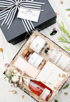 cute client gift idea Inspirational Gifts Gift Subscription Boxes Gift H&ers Gift Baskets  sc 1 st  Pinterest & 446 Best Bridesmaid Proposal Box Ideas images in 2019 | Bridesmaid ...