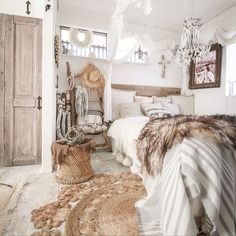 Contemporary decor tips for a modern rustic bedroom - Rustic N . - Contemporary decor tips for a modern rustic bedroom – Rustic News – Rustic Bedroom - Bohemian Bedroom Decor, Cozy Bedroom, Home Decor Bedroom, Bedroom Ideas, Master Bedroom, Bohemian House, Modern Bohemian, Bohemian Chic Decor, Bohemian Room