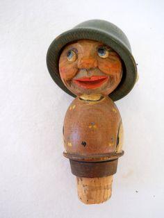 VTG+ANRI+SOLDIER+Figurine+Wood+Carving+BOTTLE+STOPPER+Cork+2+Faced+HAT+FLIPPER