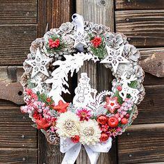 Hydrangea / Vianočný veniec so snehuliakom Floral Wreath, Wreaths, Home Decor, Floral Crown, Decoration Home, Door Wreaths, Room Decor, Deco Mesh Wreaths, Home Interior Design