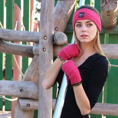 Another way to wear your Pink Spring Time : make them the color of your outfit to pop up and be more colorful. And wear them knowing the bolivian artisan's name who did them with passion. Children In Need, Brand Ambassador, Spring Time, Winter Hats, Gloves, Artisan, Passion, Colorful, Pop
