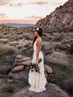 A stunning desert bridal shoot by Nick Sparks Wedding Photography in the Sonoran Desert. Florals by The Wildflower AZ, with a gorgeous Elizabeth Dye Wedding dress. Bridal Photoshoot, Bridal Shoot, Bridal Session, Photoshoot Ideas, Colorado, Disney Bridal Showers, Phoenix Wedding Photographer, Flower Crown Wedding, Wedding Beauty