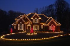 70 Awesome Farmhouse Style Exterior Christmas Lights Decorations - Page 36 of 71 - Afifah Interior Exterior Christmas Lights, Christmas Lights Outside, Christmas House Lights, Hanging Christmas Lights, Xmas Lights, Holiday Lights, Christmas Home, Christmas Music, Christmas Scenes