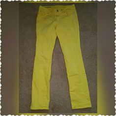 Ann Taylor Skinny Jeans Brand new gorgeous Ann Taylor modern fit skinny jeans sz 8. These jeans have stretch to hug your curves, and come in a beautiful bright yellow color. A must have for spring and summer! Ann Taylor Jeans Skinny