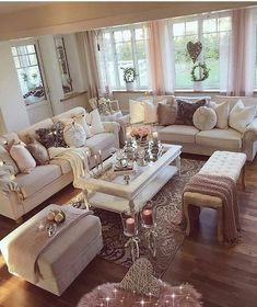 Sheek living room & Sheek Wohnzimmer & The post Sheek Wohnzimmer & & Zimmergestaltung appeared first on Living room decor . Living Room Decor Cozy, Elegant Living Room, Chic Living Room, New Living Room, Formal Living Rooms, Living Room Interior, Home Interior Design, Home And Living, Decor Room