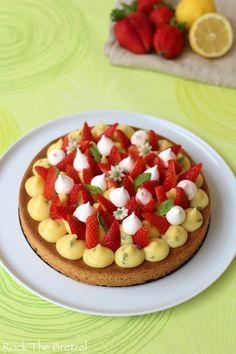 tarte sablée ,crème citron /basilic ,fraises