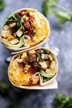 Avocado breakfast burrito рецепт food desayuno, burritos и d Breakfast Desayunos, Avocado Breakfast, Make Ahead Breakfast, Healthy Breakfast Recipes, Tasty Meals, Quick Meals, Healthy Breakfast Burritos, Breakfast Ideas, Breakfast Pictures