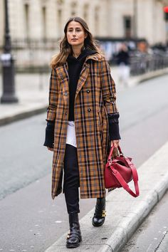 In case you haven't heard, brown is the new black. Not sure what to wear with it? We found seven hues that make it look stellar. Check them out here. Street Style Inspiration, Coats For Women, Jackets For Women, Colour Combinations Fashion, Sous Pull, Amy Jackson, Copenhagen Fashion Week, Pink Jeans, Black Jeans