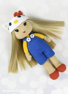 Crochet doll in Hello Kitty costume  #FREEcrochetpattern #Free  #amigurumi #amigurumidoll #amigurumipattern #amigurumitoy #amigurumiaddict #crochet #crocheting #crochetpattern #pattern #patternsforcrochet