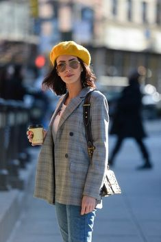 Shop the Look from Crystal Obsessions Now on ShopStyleThree-day weekend style in a smart, casual tee and blazer combo. Barett Outfit, Beret Street Style, Outfits With Hats, Casual Outfits, Blazer Outfit, Look Fashion, Fashion Outfits, Parisian Chic Style, Paris Mode