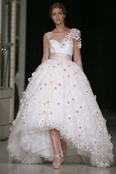 Floral wedding dress - Barcelona Bridal Week 2015