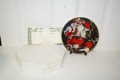 """Coca Cola 1994 Franklin Mint porcelain collectors plate with COA 'A Refreshing Pause' $25 Measures approx: 8""""D. #HC1318 with stand and original packaging"""