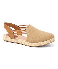 Fashion meets practicality in this shoe, which combines a comfy closed toe with the easy-on wear of a sling back.