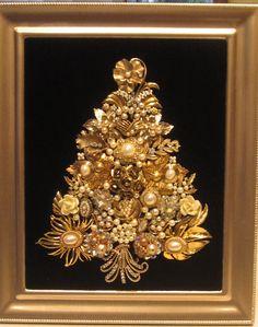 Vintage Jewelry Framed Christmas Tree Golds and Pearls OOAK Folk Art Jeweled Christmas Trees, Christmas Tree Art, Christmas Jewelry, Xmas Trees, Christmas Mosaics, Costume Jewelry Crafts, Vintage Jewelry Crafts, Recycled Jewelry, Vintage Jewellery