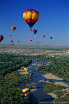 -INTERNATIONAL BALLOON FIESTA OVER RIO GRANDE, NEW MEXICO  www.balloonfiesta.com
