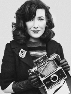 Daily Outfit & Inspiration - Jamie @ From Me To You Daily Fashion, Retro Fashion, Vintage Fashion, Jacqueline Kennedy Onassis, Female Photographers, Vintage Cameras, Vintage Hairstyles, Classic Looks, Fashion Photography