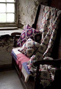 #pattern #weaving Welsh Cottage, Cottage Style, Welsh Blanket, Wool Blanket, Cottage Interiors, Dark Interiors, Soft Furnishings, Decoration, Shed