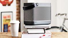 BANG & OLUFSEN Beolit 12    BのオシャレなAirPlay対応バッテリー内蔵ポータブルスピーカー。Macはもちろん、iPhoneやiPadの曲をWi-Fi経由で転送して鳴らせる