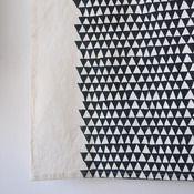 Image of TEA TOWEL - triangle- Bookhou