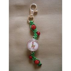 Porte-clés personnalisé, fil vert perles rouges