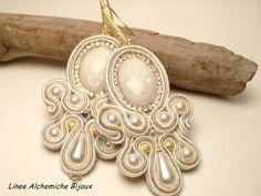 Bridal soutache earrings, with strass chain and Swarovski pearls. Handmade soutache earrings, weddings soutache jewels, bridal jewels.