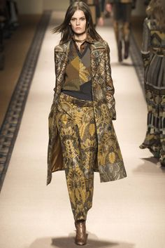 ETRO Fall 2015 Collection on Vogue Japan  (エトロ) 2015-16秋冬プレタポルテコレクション ランウェイ5枚目