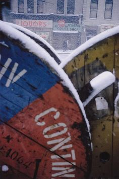 Saul Leiter, Pigment Print, Snowstorm, in - Julia Saul Leiter, Robert Doisneau, Color Photography, Street Photography, Eugene Smith, New York School, Art Moderne, Vintage Colors, Taking Pictures
