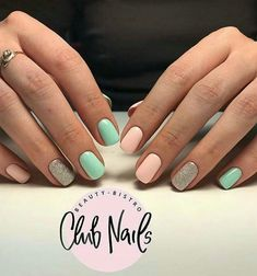 Having short nails is extremely practical. The problem is so many nail art and manicure designs that you'll find online Chic Nails, Love Nails, Pretty Nails, Mint Green Nails, Mint Nails, Gelish Nails, Dipped Nails, Powder Nails, Summer Nails