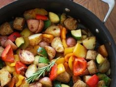 Standard easy dinner: Lean Italian chicken sausage with summer bell peppers and zucchini sauteed with baby red potatoes and fresh herbs for a quick one pot meal. Chicken Zucchini, Garlic Chicken, Sauteed Vegetables, Veggies, Herb Roasted Potatoes, Sausage Potatoes, Lemon Potatoes, Light Summer Meals, Italian Chicken Sausage