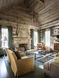 A Rustic and Refined Cabin in the Tennessee Woods – Blue and White Home Awesome Rustic Furniture and Decorating Ideas House Design, Cabin Style, Rustic House, Interior Design, House Interior, Cabin Interiors, Rustic Home Interiors, Home, Cabin Decor