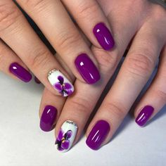 Purple Christmas Nail Art Designs Ideas For Winter Purple nail art looks great on long nails. Especially purple shades help out owners of extended nails Elegant Nail Designs, Best Nail Art Designs, Elegant Nails, Orchid Nails, Flower Nails, Easy Nail Art, Cool Nail Art, Purple Nail Art, Purple Manicure