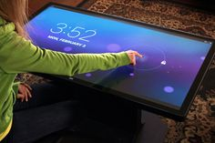 Table with android OS | Ideum Platform 46 Coffee Table mit Android OS (Foto: ideum.com)