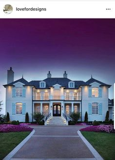 Gorgeous home in Nashville, Tennessee designed by Jack Herr Design Associates Inc and built by Grove Park Construction! Decor Interior Design, Interior Decorating, Design Interiors, Grove Park, Luxury Living, Luxury Real Estate, Exterior Design, Future House, Luxury Homes