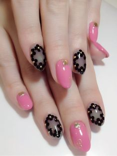 I have a collection of black & pink gel nail art designs & ideas of Take a look at it and enjoy the magnificence of the beauty that you carry along with it.