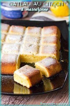 Bolo de Limão e Mascarpone - The 100 best photographs ever taken without photoshop Mascarpone Cake, Chocolate Hazelnut Cake, Cake Recipes From Scratch, Homemade Cake Recipes, Salty Cake, Köstliche Desserts, Savoury Cake, Food Cakes, Clean Eating Snacks