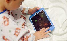 Műtét előtt a gyerekeknek nyugtatók helyett iPad?
