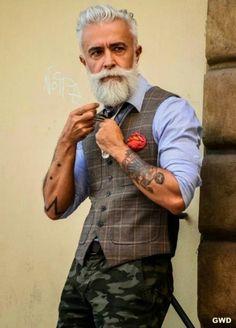 Bilderesultat for hipster beard