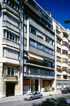 """Le Corbusier's Immeuble Molitor provides residents with """"sky, trees, steel and concrete"""""""