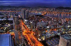 #VacationalHotSpot: ¿Qué tan curiosa eres? Si estás lista para explorar un destino fuera de lo común, ¡atrévete a visitar Seúl, Corea del Sur! La capital de Corea por más de 600 años.  Cuenta con 5 grandes palacios, 7 Templos y Mausoleos, y 2 museos de guerra: un paraíso para la historia que contrasta de manera espectacular con su visionaria arquitectura. ¡Aventúrate! AEROMEXICO CONTARÁ CON 4 VUELOS SEMANALES A PARTIR DEL 27 DE MAYO a Seúl en el avión más moderno del mundo: el…
