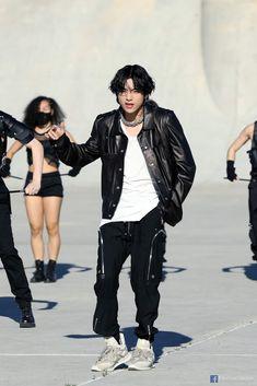 Seokjin, Kim Namjoon, Jung Hoseok, Daegu, Bts Taehyung, Bts 2013, Jimin 95, Bts Kim, Bts Facebook