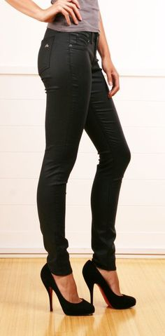 Love some black skinnies and tall heels
